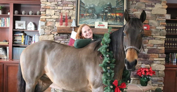 Sherry Newman and her Quarter Horse Cricket visited Assisted Living Facilites.